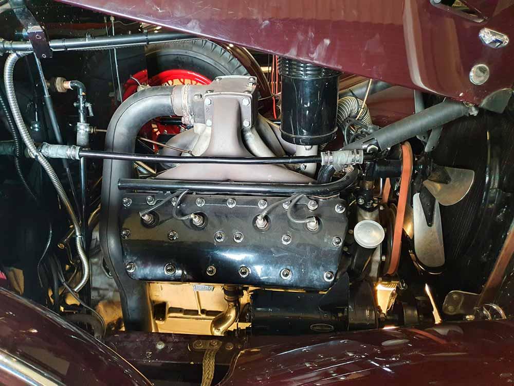1932 Cadillac 355B